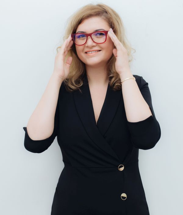 Ramona Marginean, manager @ Dinstitute