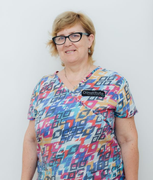 Csiki Ileana, mentenanta & curatenie @ clinica dentara Dinstitute Cluj