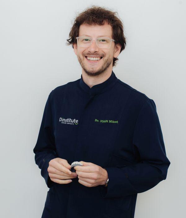Dr. Ioan Mihut, medic dentist @ clinica dentara Dinstitute